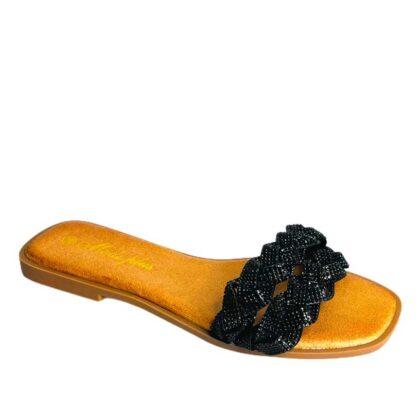Flat σανδάλια με λαμπερά στράς μαύρα.